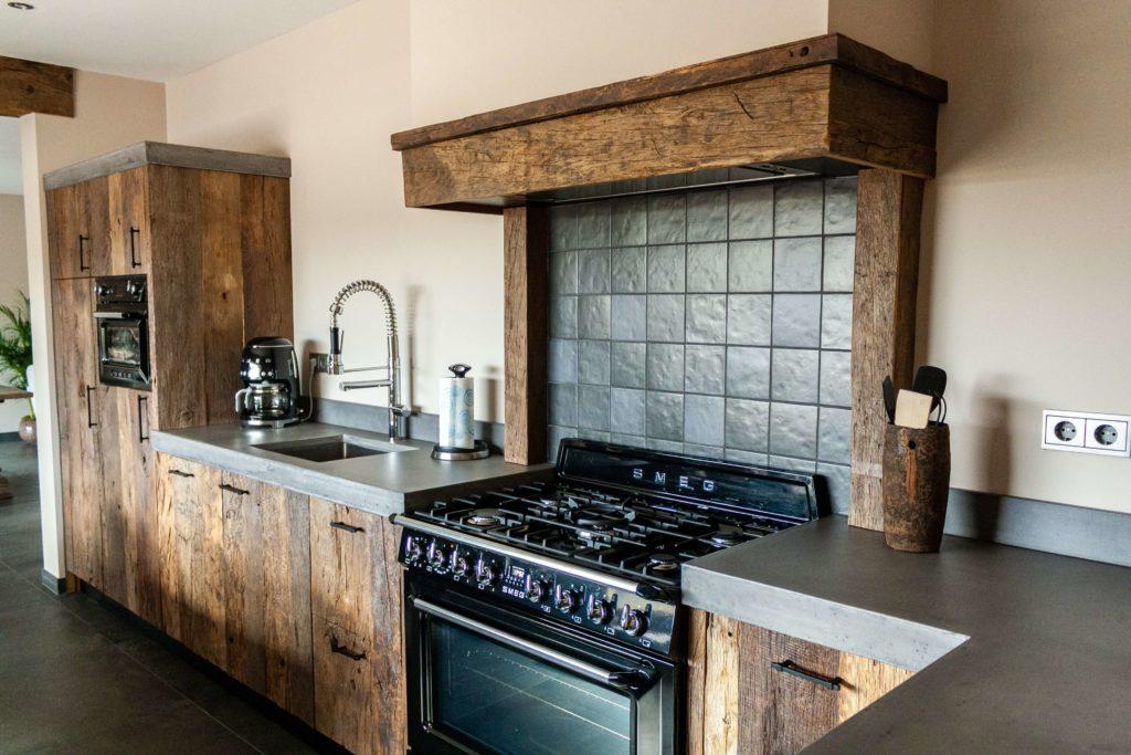 Barnwood zachthout keuken in dordrecht